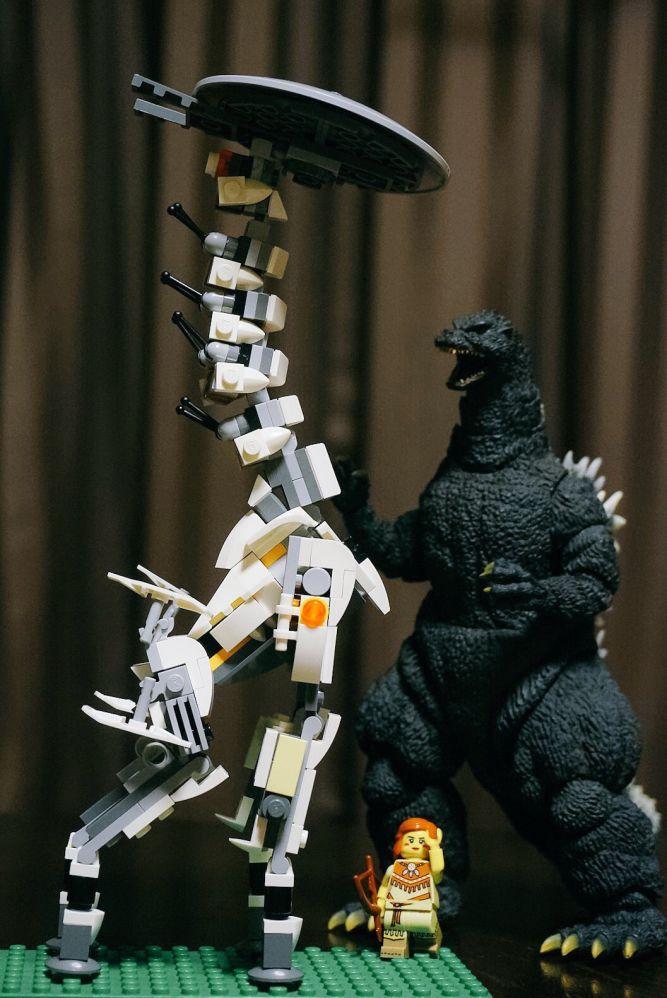 Kojima otrzymał ciekawy zestaw LEGO z Horizon: Zero Dawn - obrazek 1