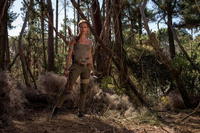 Tomb Raider - Alicia Vikander jako Lara Croft na nowych zdjęciach z planu filmowego - obrazek 1
